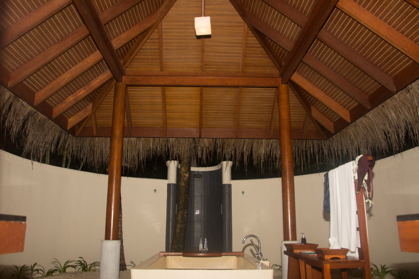 Outdoor washrooms for a true island life experience