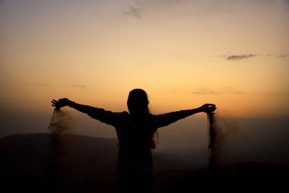 lifestyle redesign  - Letting go 960x641 - Saudi Diva Blog
